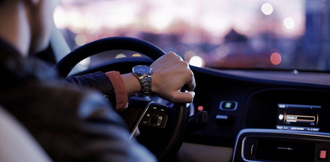 Напекти 11 тисяч коржиків чи постояти в заторі: чому Київ падає в рейтингу пересування на дорогах